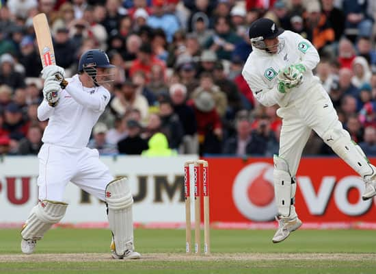 Andrew Strauss becomes ninth England player with 100 Test caps