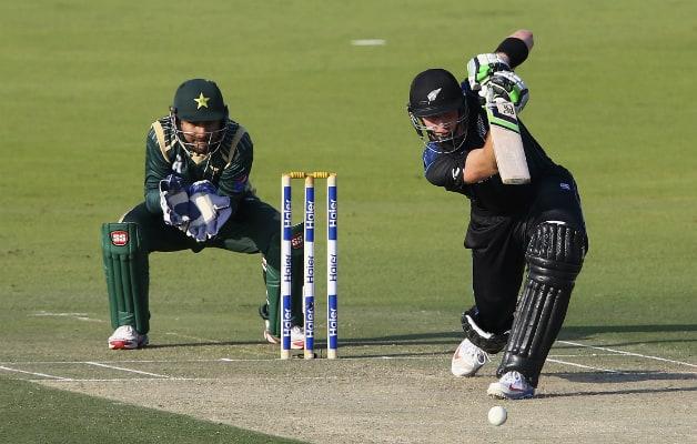 Pakistan vs New Zealand  4th ODI at Abu Dhabi