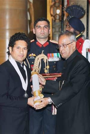Sachin Tendulkar receives the Bharat Ratna
