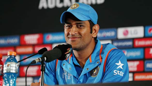 MS-Dhoni-of-India-fronts-the-media82.jpg