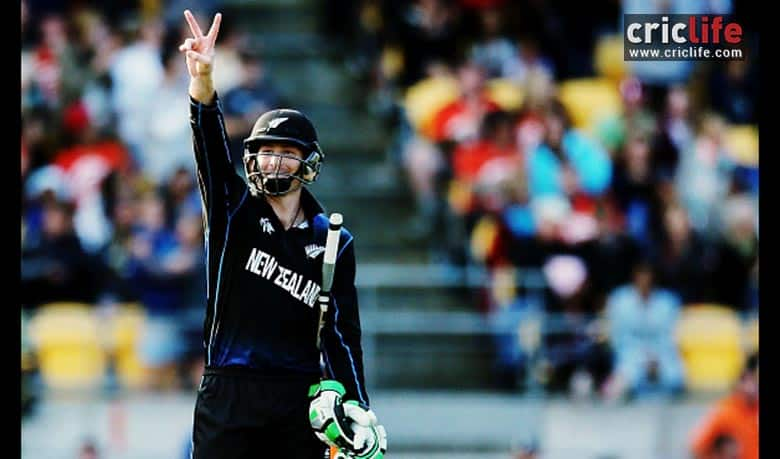 That's two on the roof. That's what Martin Guptill signals the dug-out after smacking the second ball to the stadium roof