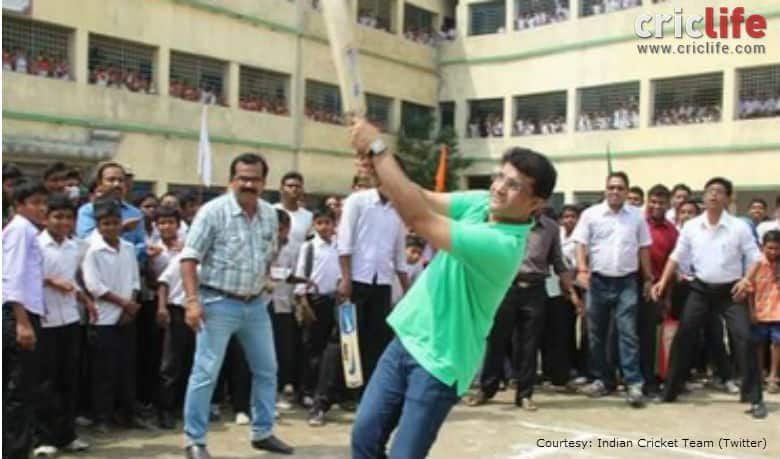 Sourav Ganguly bats for social cause