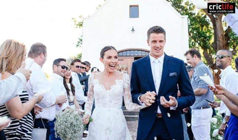 Morne and Kelly on their wedding day.
