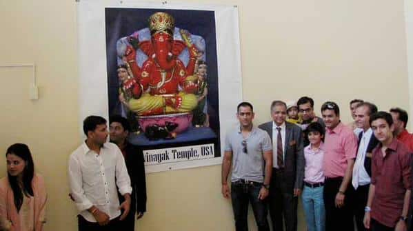 MS Dhoni visits the Sri Siddhivinayak Temple in New Jersey