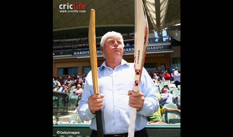 Barry Richards surprised with the thickness of the bat