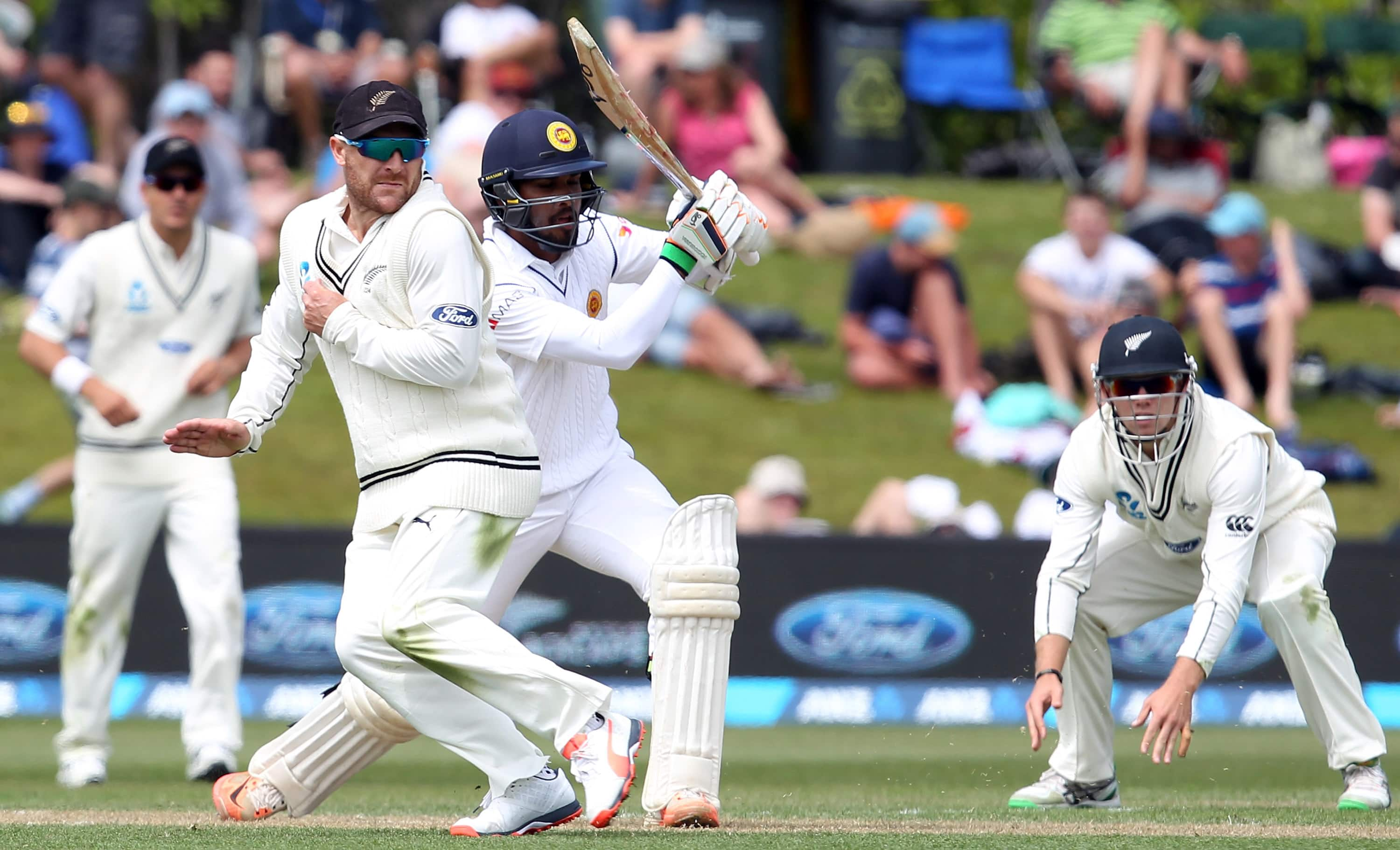 sri lanka finished the day at 197 for 4 still trailing new zealand by 234 runs