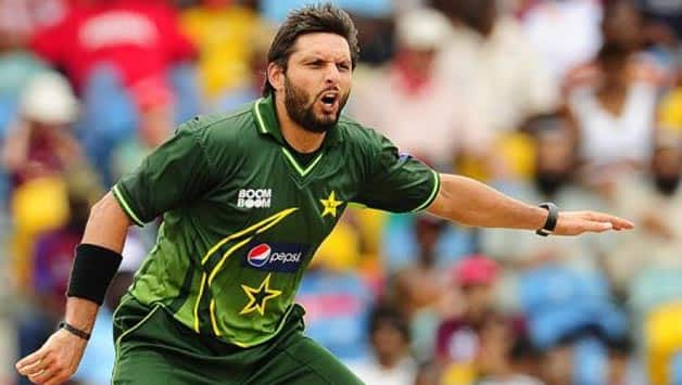 Shahid Afridi fills in because of his experience © AFP