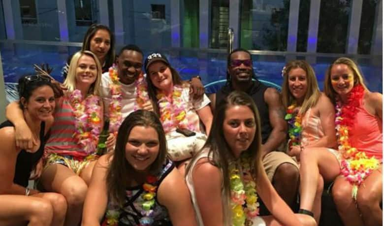 Chris 'World Boss' Gayle and Dwayne Bravo welcome New Year in their style