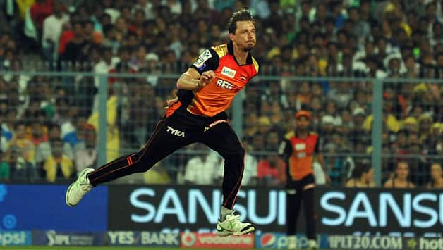 Cricket World Online Cricket | Careers Sunrisers-Hyderabad-player-Dale-Steyn-in-action3