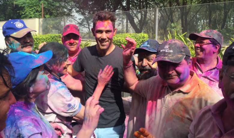 Sachin Tendulkar, Virender Sehwag and other cricketers send warm wishes on Holi