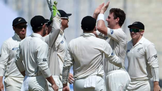 New Zealand leave India tattering at 57/3
