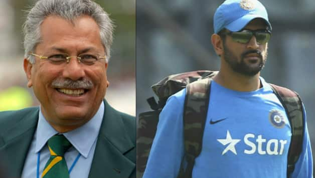 Image result for dhoni and jahir abbas