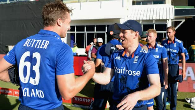 Jos Buttler and Eoin Morgan (R) © Getty Images
