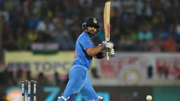 Kohli gave his all but his 42-ball 65 could not rescue India © AFP