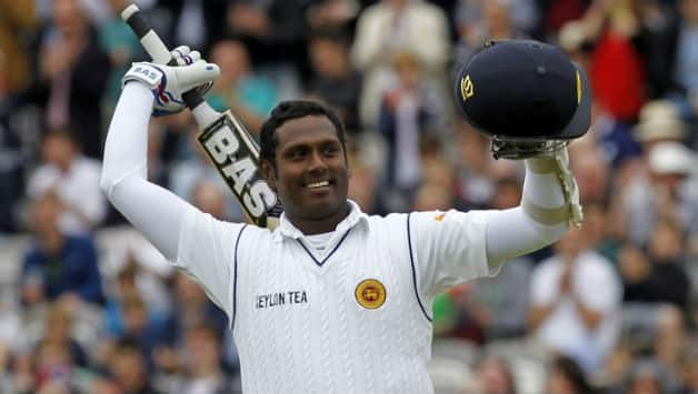 Angelo Mathews scored half-century © AFP