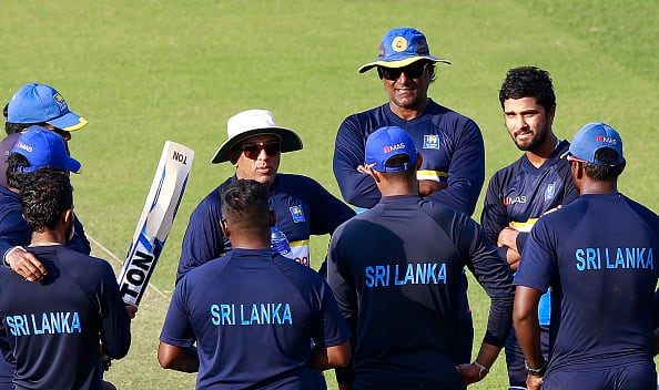 Chandika Hathurusingha with the Sri Lankan team during the training session © Getty Images