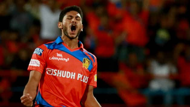 Basil Thampi: It's my dream to bowl when MS Dhoni is wicket-keeping