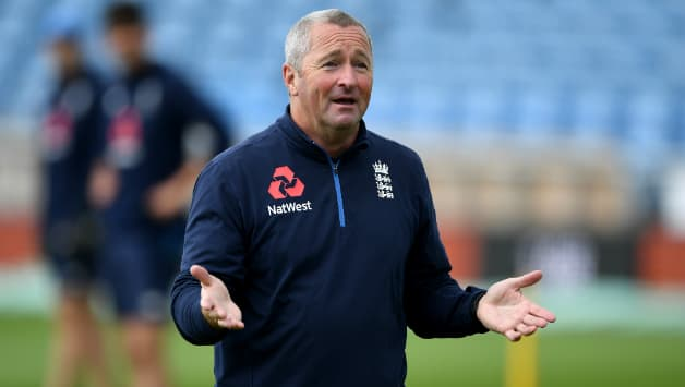 England's bowling coach Paul Farbrace © Getty Images
