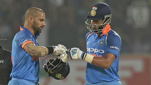 Shikhar Dhawan (L) and Shreyas Iyer added 135 runs for the second wicket © AFP