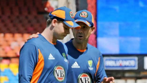 Steven Smith and Ricky Ponting (r) © AFP (file photo)