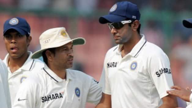 Sachin Tendulkar (left) and Ravichandran Ashwin © AFP