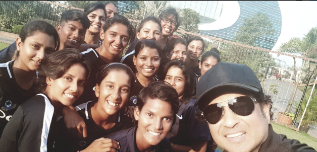 Sachin Tendulkar meets Indian women's team ahead of South Africa tour