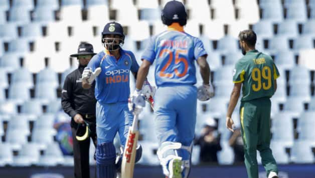 Players went off the field with India needing just 2 to win © AFP