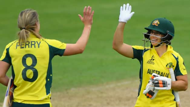 Nicole Bolton and Ellyse Perry © Getty Images