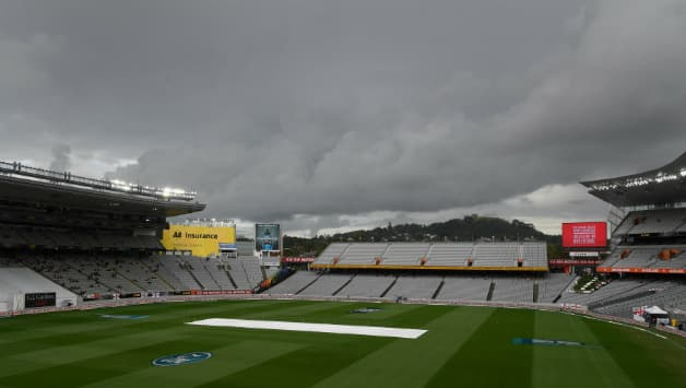 The gloomy weather has restricted the 1st Test to just 26 overs in the past two days © Getty Images