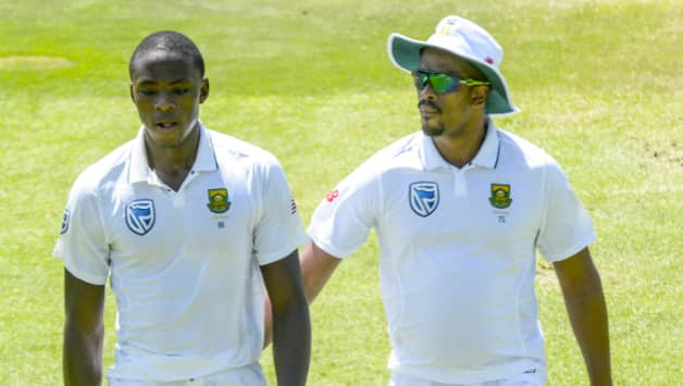 Vernon Philander claims his Twitter account was hacked, denies posting inflammatory tweet accusing Smith