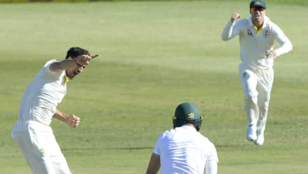Mitchell Starc celebrates the wicket of Faf du Plessis (Image courtesy: Getty)