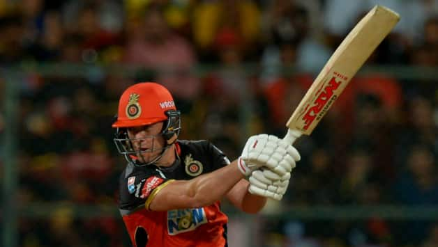 AB de Villiers held his nerve and took RCB to victory scoring 57 off 40 © AFP