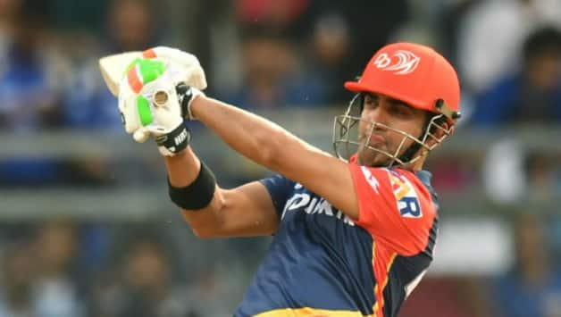 De Villiers' 90* steers RCB to victory over DD