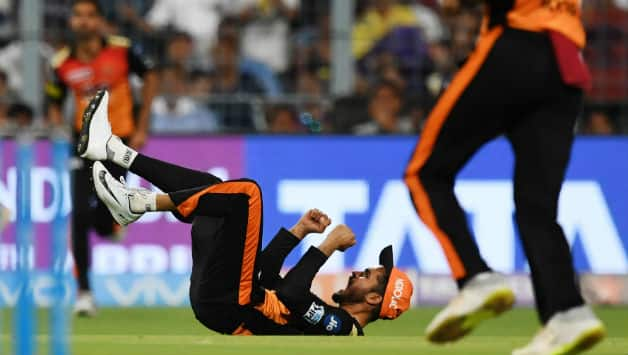 Manish Pandey takes a blinder at point to get rid of Nitish Rana  © AFP
