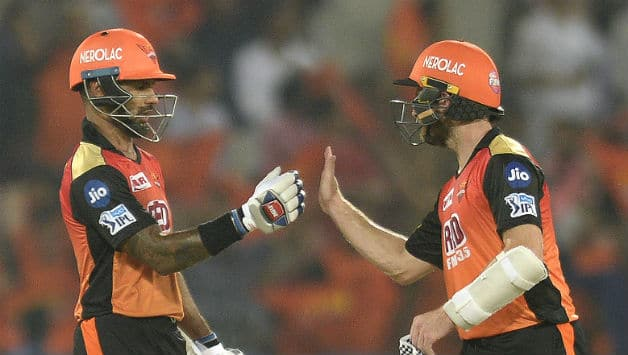 Shikhar Dhawan and Kane Williamson added runs together to take Hyderabad to win © AFP