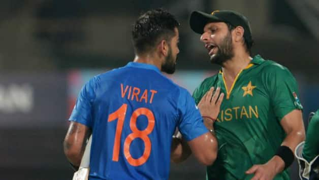 Virat Kohli and Shahid Afridi © AFP