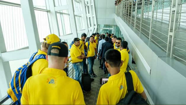 IPL 2018: Chennai Super Kings reach Mumbai for first match against Mumbai Indians