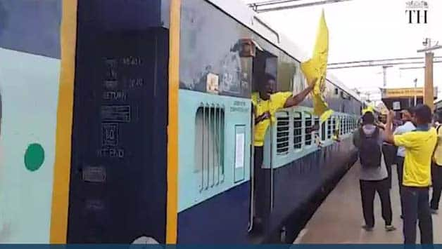 IPL 2018: Chennai Super Kings' fans booked train to watch match in Pune