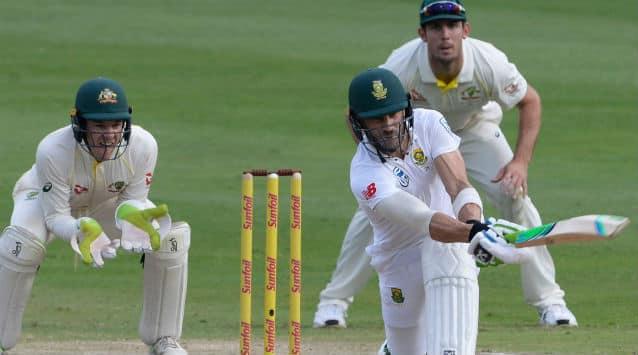 Faf du Plessis is currently batting on 81  © IANS