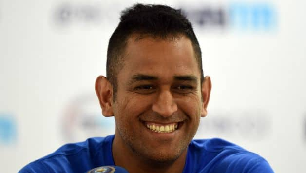 Fan missed date with girlfriend just to meet Mahendra Singh Dhoni