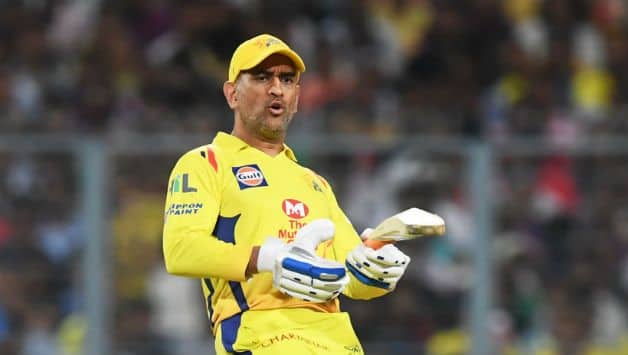 MS Dhoni held CSK innings after a mini collapse in the middle overs © AFP