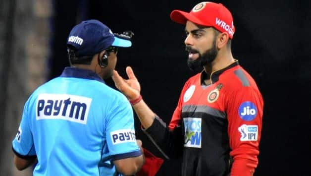 IPL 2018: Virat Kohli argues with umpire after alex hales giving not out