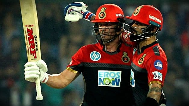 Did AB de Villiers unfollow Royal Challengers Bangalore on Twitter ?