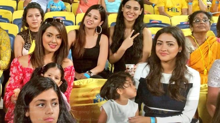 IPL 2018: MS Dhoni, Suresh Raina, Harbhajan Singh's wife enjoy CSK, DD match