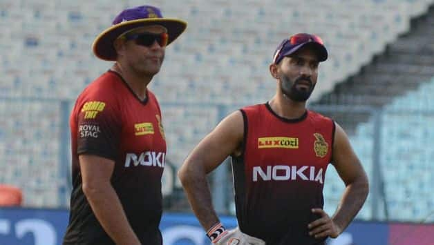 KKR coach Jacques Kallis (left) and Dinesh Karthik © IANS