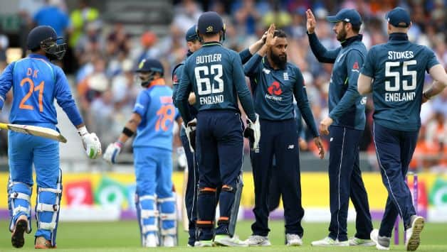 Adil Rashid picked up 3 for 49 © Getty Images