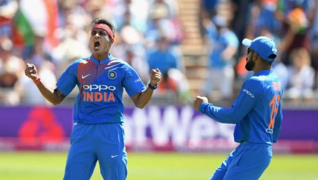 Siddarth Kaul dismissed Jos Buttler for 34 in the 8th over © Getty Images