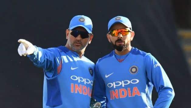 MS Dhoni and Virat Kohli ©  AFP