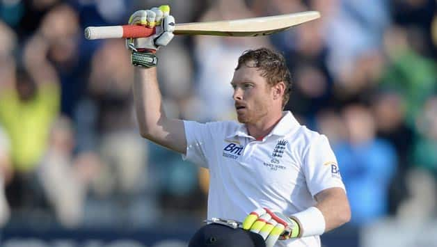 Warwickshire's Ian Bell notches personal milestone of 20,000 first-class runs