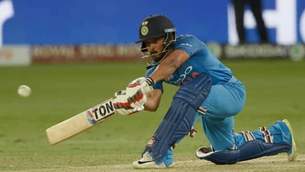 Kedar Jadhav to undergo scan after hamstring injury during Asia Cup 2018 Final